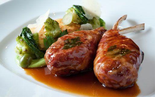 Gerardo Cesari: recipes. Rack of lamb en crepinette, panisse, romanesco, parmesan.