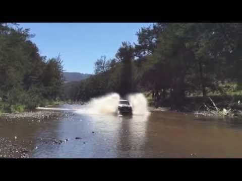 FJ Cruiser Crossing Turon River - Bridle Track #fjcruiser #australianoffroad #turonriver
