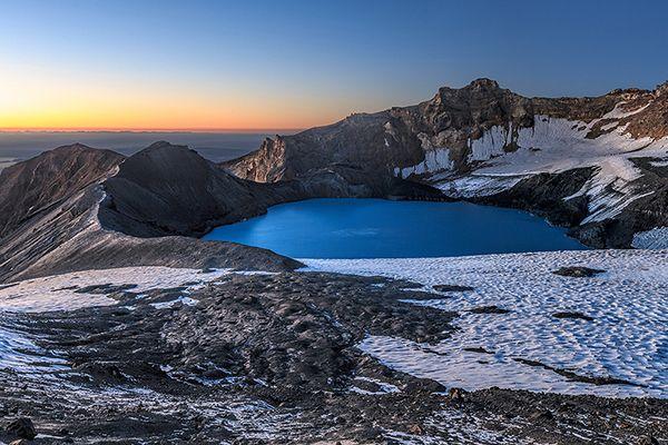 Kráter-tó a Ruapehu vulkánban az Észak Új-Zéland