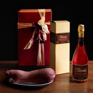 "An unassuming gift to bestow taste and quality. ""Gazzetti"" #Lambrusco Sorbara wine Preboiled #Zampone ""Regnani"" kg.1  #gazzettifood #food #christmas #italianfood"