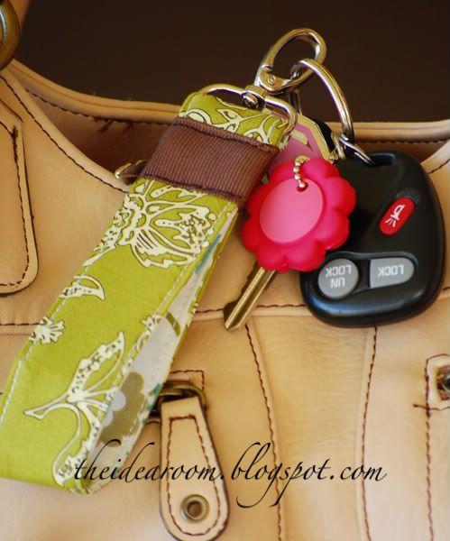 fashionable fabric key chains tutorial