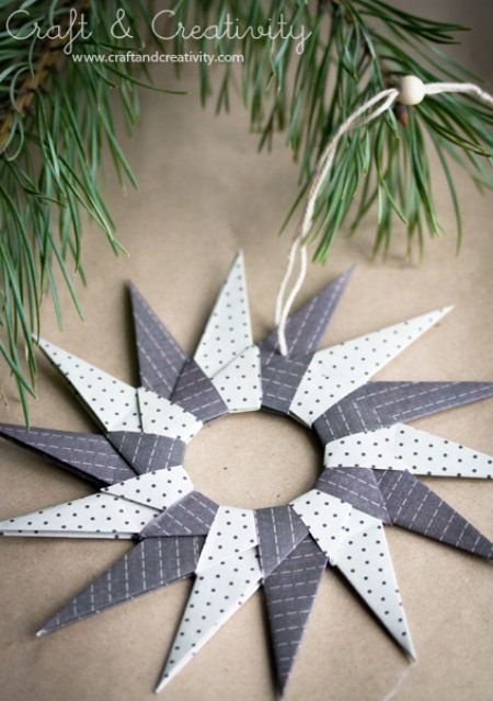 Original DIY Origami Paper Stars For Christmas Decor | Shelterness....oooh.  I used to make these when I was a kid.  Forgot all about them.  Good stash buster for scrapbook paper.