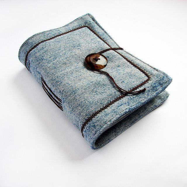 """simple handmade journal of recycled denim (projects, crafts, DIY, do it yourself, fun, creative, uses, use, ideas, inspiration, 3R""""s, reduce, reuse, recycle, used, upcycle, repurpose, handmade, homemade, materials)"""