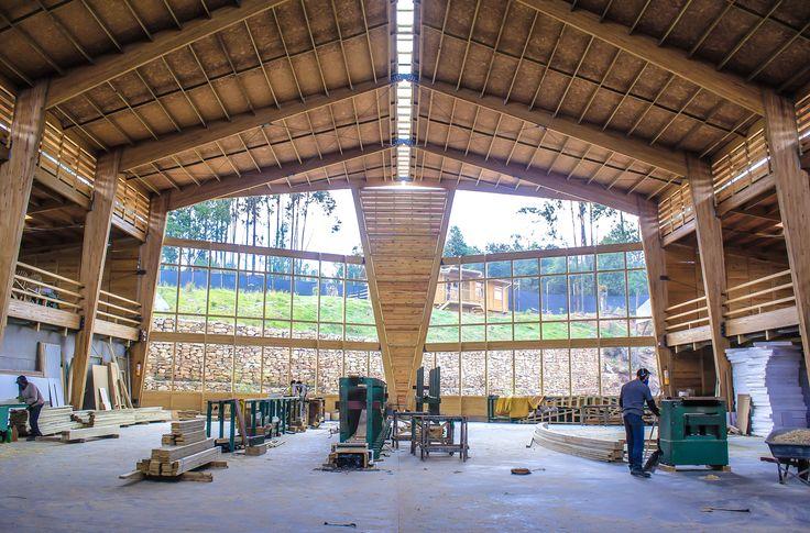 Interior Bodega de producción de Taller de Ensamble #woodarchitecture #wood #madera #casasenmadera #arquitecturaenmadera http://www.tallerdensamble.com
