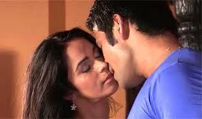 Mallika Sherawat Kissing Compilation by http://www.wikilove.com