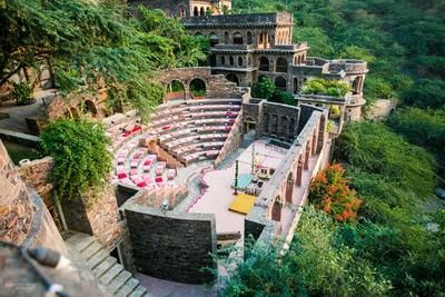 Take inspiration from this lovely amphitheater venue in India || Neemrana Fort Palace Alwar Info & Review | Venue in Alwar (Rajasthan) | Wedmegood