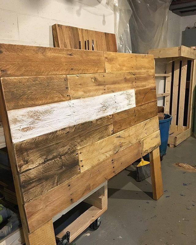 1000 ideas about rustic wood headboard on pinterest for Queen size pallet headboard plans