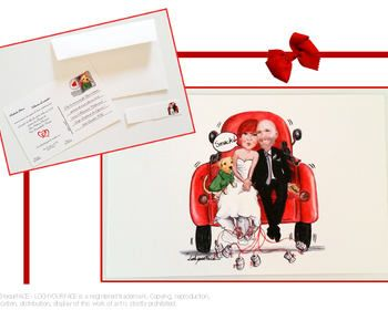 Partecipazione matrimonio a cartolina con disegno sposi e loro cane su camioncino rosso