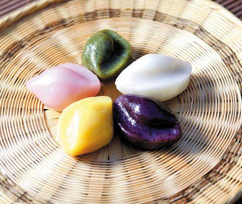 송편 스토리 pretty songpyun! korean chuseok (thanksgiving) filled rice cakes.
