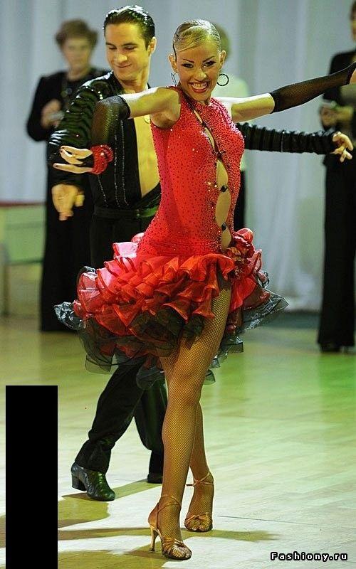 Чёрные платья на латину