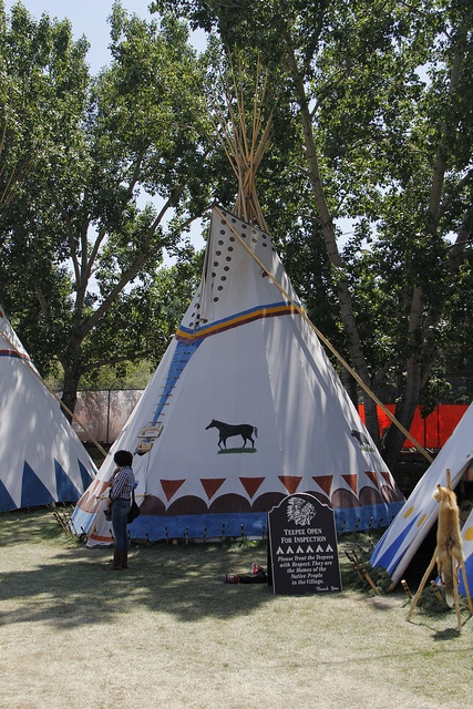 17 best images about indianen foto 39 s on pinterest for Reliable tipi