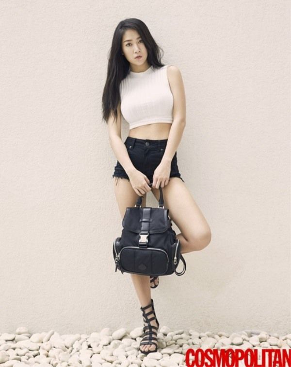 SISTAR's Soyou Poses for Cosmopolitan | Koogle TV