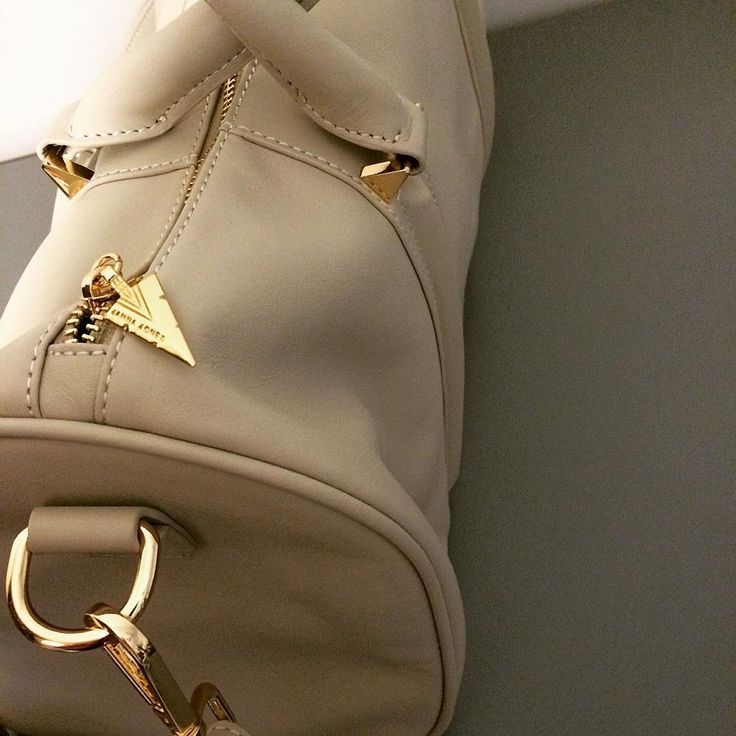 #BeautyInTheDetail Como Overnight Duffle #Bag in cream nappa leather #LuxuryLeathergoods #JANNAJONESAustralia #AustralianDesigner #DoWhatYouLove #LoveWhatYouDo #Perth #Sydney #Melbourne #Milan #Liverpool #London