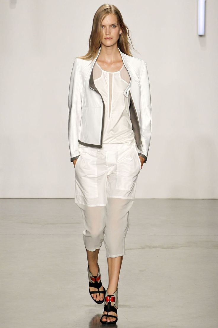 Helmut Lang Spring 2013 Ready-to-Wear Fashion Show - Mirte Maas