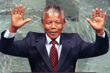 Nelson Mandela est mortà l'âge de 95 ans | LUCIE PAGÉ et Philippe Teiscera-Lessard | Afrique
