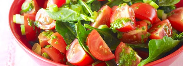 Small salad of 1 cup fresh #spinach, 1/4 bell pepper with few cherry #tomatoes (including pepper, salt, mustard, lemon pepper, or lemon juice for garnishing)