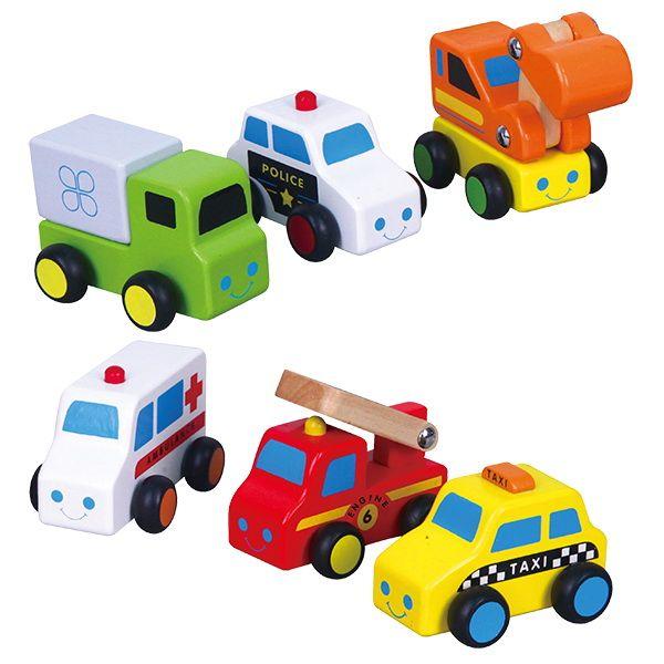 Mini Auto's set à 6 stuks   Een mooie set 6 verschillende mini auto's met een gemiddelde lengte van ± 8cm (ziekenauto 9cm) en hoogte van ± 6cm. Alle hoeken van de autootjes zijn mooi afgerond! Deze auto's zijn zeer geschikt als aanvulling op de garage met lift.  Leeftijd 18mnd+