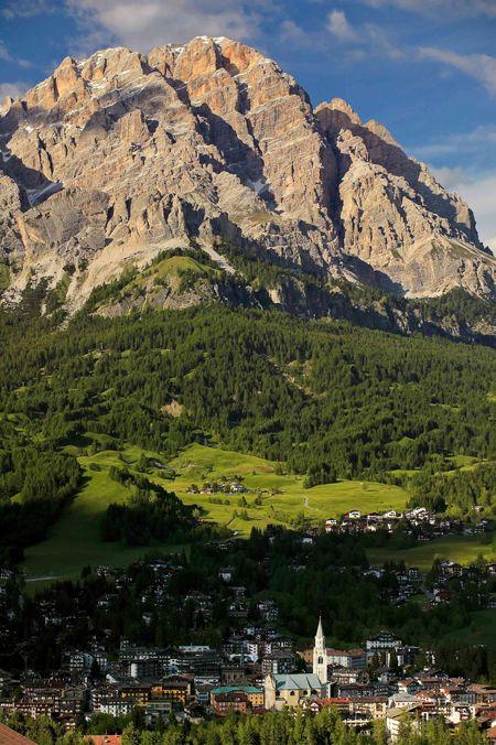 Cortina d'Ampezzo and Mount Cristallo, Dolomites, province of Belluno, Veneto, Northern Italy