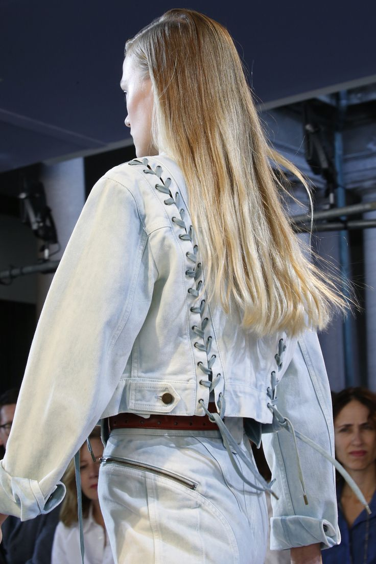 Roberto Cavalli Spring 2016 Ready-to-Wear Fashion Show Details