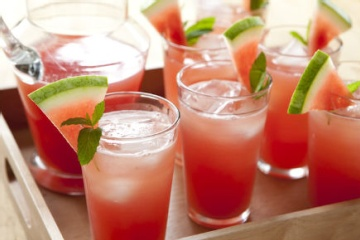 Watermelon iced tea- Love these fruit iced teas! Perfect for a kitchen tea during summer!