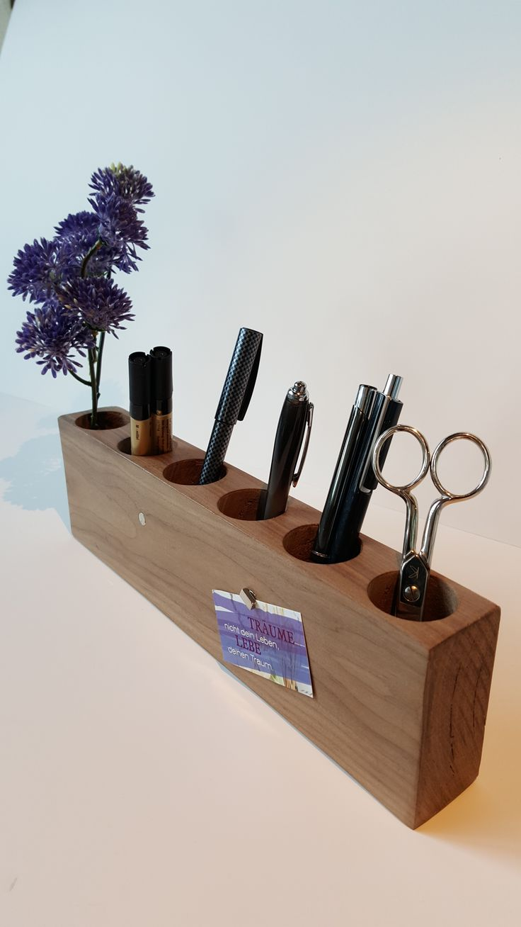 Stiftehalter: Nußbaum 6 Löcher, Durchmesser 3,5cm Mit 2 Magnete Maße: Ca