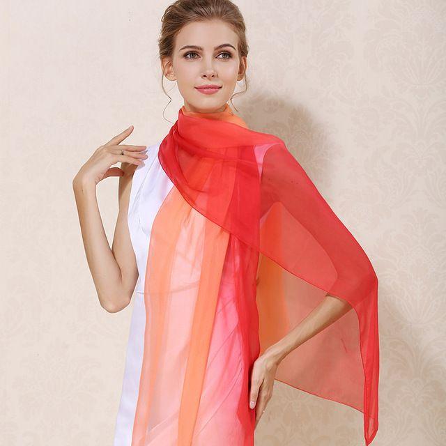 Elegantný hodvábny oranžovo-červený šál, rozmerov 185 x 68 cm
