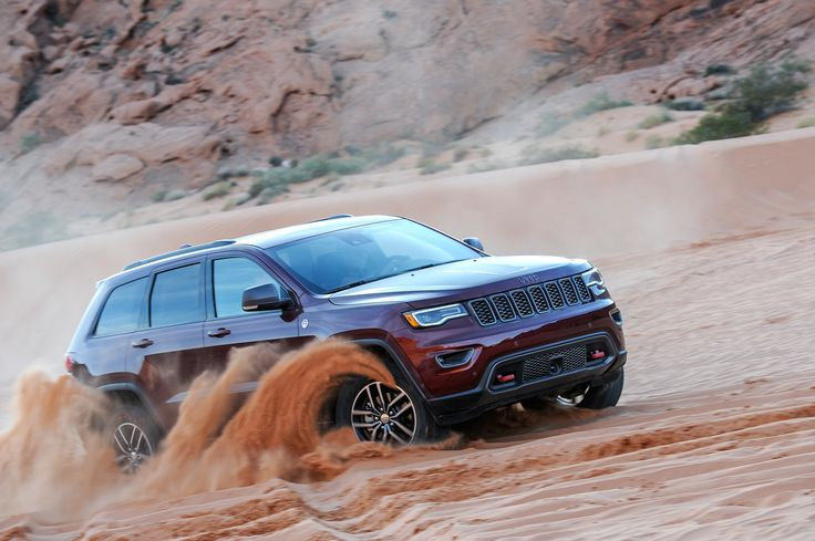 We sent Noel Ebdon to Vegas to try out the new 2017 Grand Cherokee Trailhawk on rock and sand.