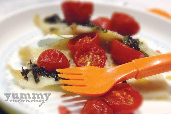 {fish with tomatoes and basil} / «γλώσσα» ψάρι ντοματίνια και βασιλικό