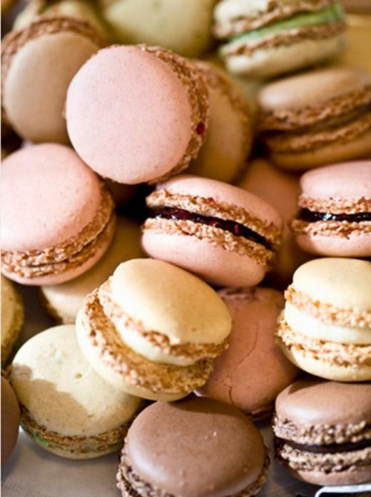 Macaroon! Raspberry, Green tea, Chocolate, Vanilla