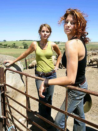 McLeods Daughters= Awesomeness