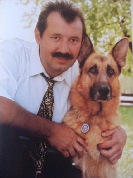 Mancs 1994 2006 A Male German Shepherd Dog Was The Most Famous Rescue Of Spider Special Team Miskolc Hungary His Name Means Paw