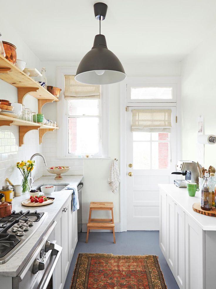 A Home That Blends Feminine And Masculine Style Wood Floor Kitchenfloors Kitchenbasement Kitchenkitchen Windowssmall Galley