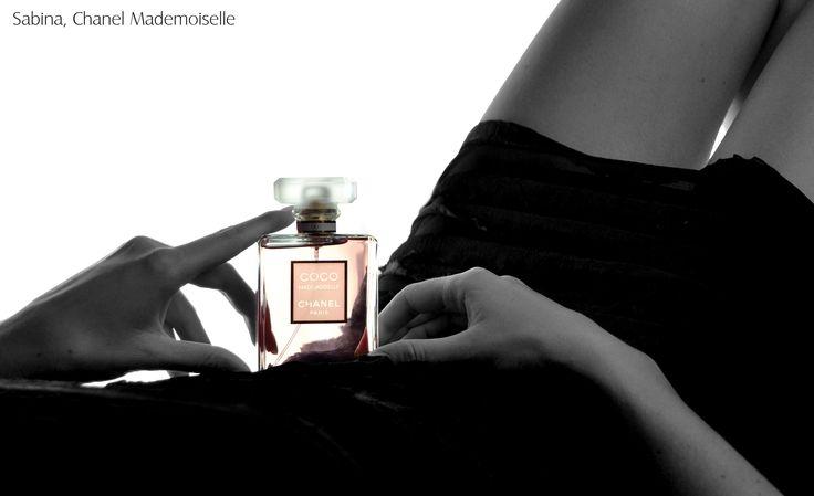 Sabina a její Chanel Coco Mademoiselle http://www.parfums.cz/chanel/coco-mademoiselle-parfemovana-voda-pro-zeny/