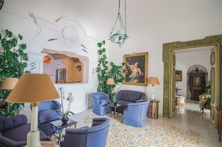 Where to stay in Positano | Le Sirenuse Hotel | Amalfi Coast | Italy | Boutique Luxury Hotels | Antiques