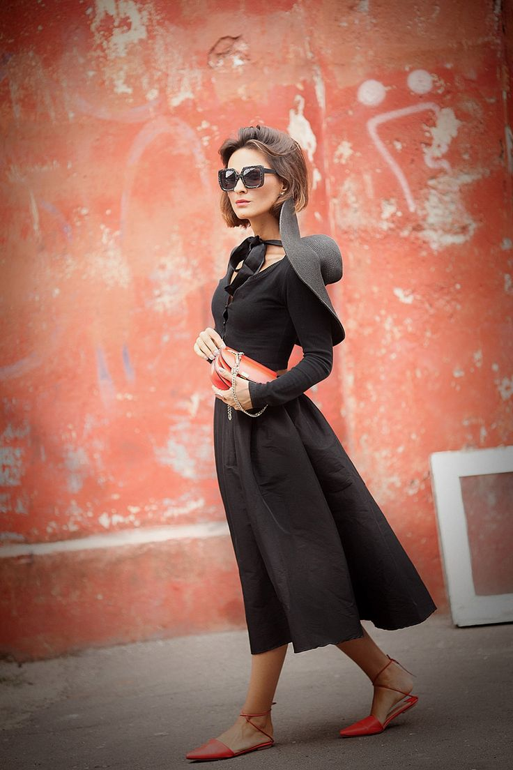total black outfit with skirt, black midi skirt outfit,