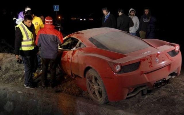 INCIDENTE D'AUTO IN CILE PER IL FUORICLASSE DELLA JUVENTUS ARTURO VIDAL FERMATO PER GUIDA IN STATO DI EBBREZZA Inche incidente d'auto per il calciatore della Juventus Arturo Vidal che era alla guida in stato di ebbrezza... Vidal era insieme alla moglie, ricoverato in ospedale è stato poi portato in caserma pe #vidal #incidented'autoincile