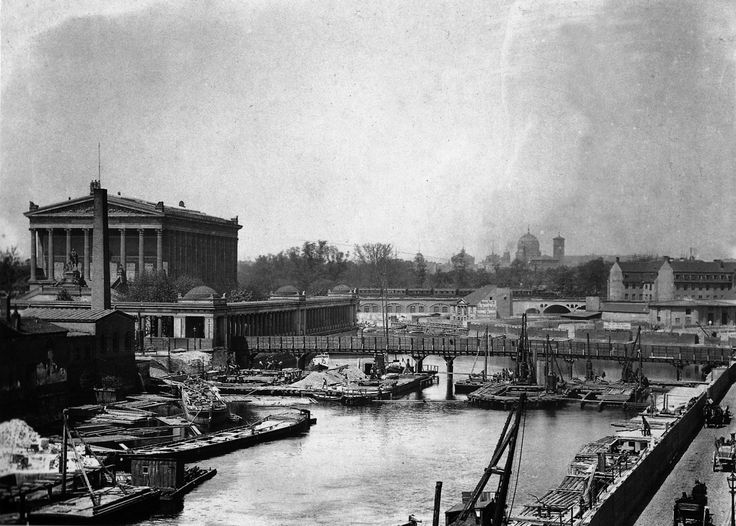 Berlin, Mitte  - around 1870 The construction of the Friedrichsbrücke is underway in this picture, which will become a further connection be... http://oldberlin.tumblr.com