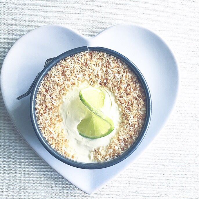 Coconut and lime no-bake cheesecake. Instagram: @blumangocakes