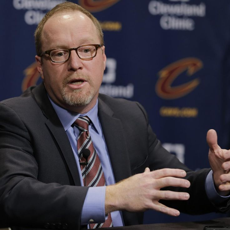 Cleveland Cavaliers  superstar  LeBron James  publicly advocated for general manager David Griffin to receive a contract extension with the organization when his deal expires after the 2016-17 season...