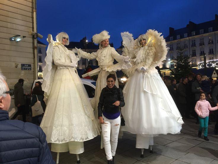 Déambulation de géants sur le marché de #noël 2016, du #CentreVille de Nantes.