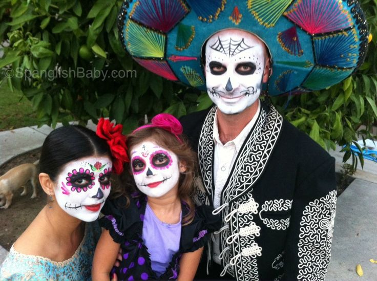 Check out this excellent video at Spanglish Baby of the family getting made up for Dia de los Muertos and the daughter's perfect Rosita face paint.