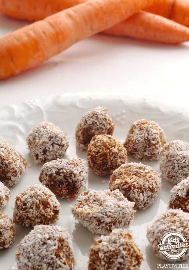 Make these super healthy carrot balls for a perfect afternoon snack for your kids. They won't even be able to tell you it has carrots!