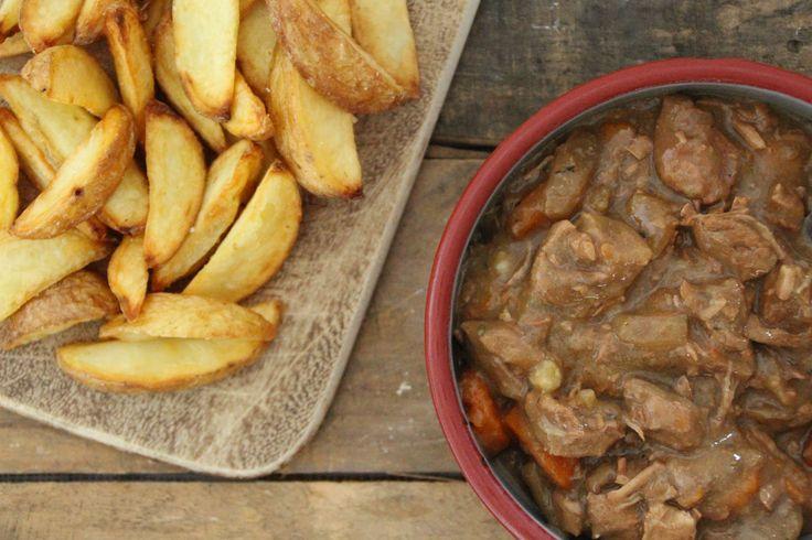Vlaams stoofvlees met glutenvrij bier - Stoofvlees wordt op laag vuur lang gegaard om het mals te maken.