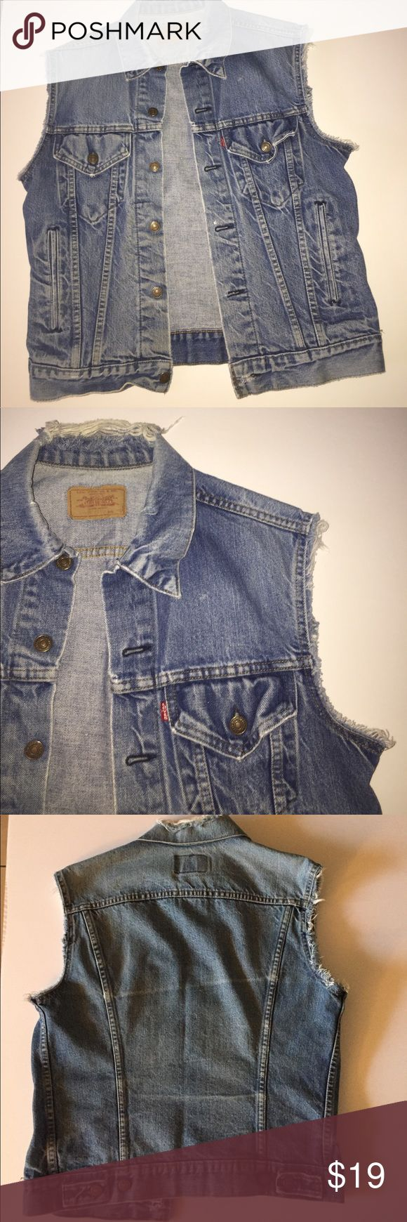 Levi's Sleeveless Jean Jacket SMALL 10/10 Condition.   Shipping is 1-3 Days!!!!!!!! Levi's Jackets & Coats Jean Jackets