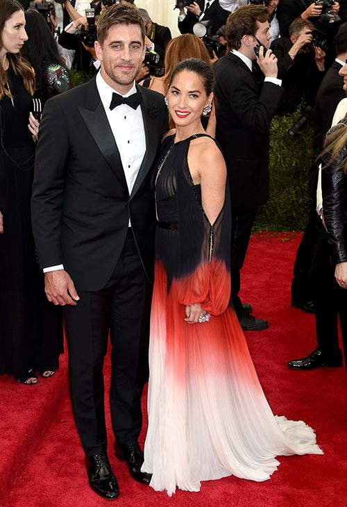 olivia munn aaron rodgers rumored to be engaged