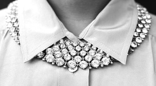 the way to wear a collar necklace: Style, Collars Bling, Bling Collars, Diamonds Collars, Collarnecklac, Jewelry Accessories, Collars Necklaces, Jewels, Pretty Necklaces