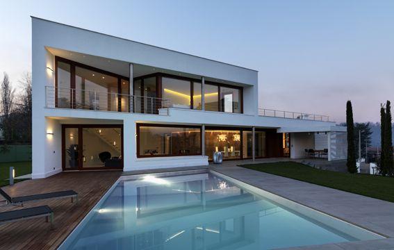 Casa B   Appartamenti Rimadesio: porte scorrevoli in vetro e alluminio, librerie, cabine armadio
