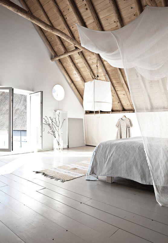 Une chambre sous combles à la déco zen