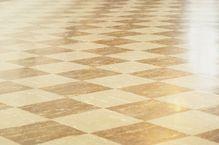 Comment camoufler une fissure sur un carrelage de sol ?