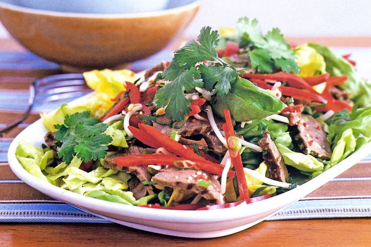 Your waistline will also enjoy this Low-fat and low-carb Thai salad.